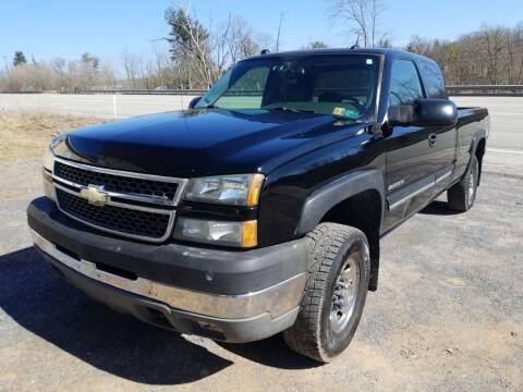 2005 Chevrolet Silverado 2500HD for sale at Mackeys Autobarn in Bedford PA