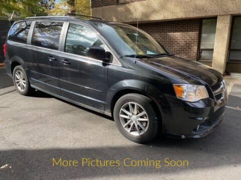 2015 Dodge Grand Caravan for sale at Warner Motors in East Orange NJ