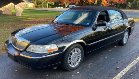 2008 Lincoln Town Car for sale at Select Auto Brokers in Webster NY