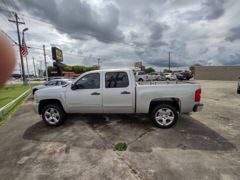 2010 Chevrolet Silverado 1500 for sale at BIG 7 USED CARS INC in League City TX