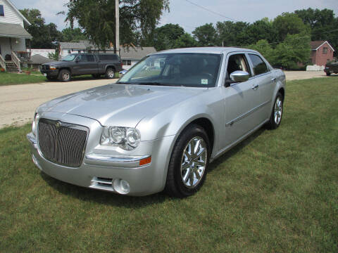 2009 Chrysler 300 for sale at Triangle Auto Sales in Elgin IL
