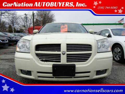 2005 Dodge Magnum for sale at CarNation AUTOBUYERS, Inc. in Rockville Centre NY