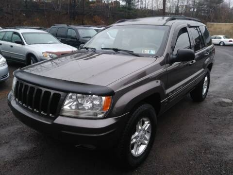 2000 Jeep Grand Cherokee for sale at Car Man Auto in Old Forge PA