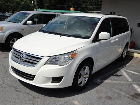 2011 Volkswagen Routan for sale at HAPPY TRAILS AUTO SALES LLC in Taylors SC