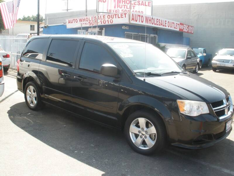 2013 Dodge Grand Caravan for sale at AUTO WHOLESALE OUTLET in North Hollywood CA