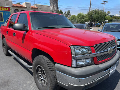 2004 Chevrolet Avalanche for sale at CARZ in San Diego CA