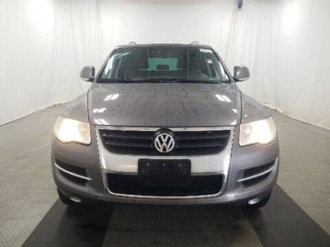 2009 Volkswagen Touareg 2 for sale at NORTH CHICAGO MOTORS INC in North Chicago IL