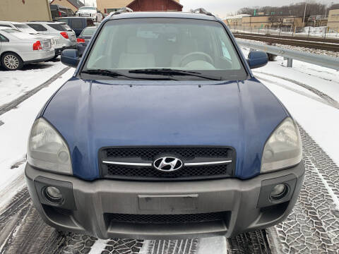 2005 Hyundai Tucson for sale at Discovery Auto Sales in New Lenox IL