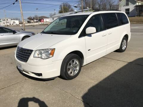 2008 Chrysler Town and Country for sale at Kemper Motors Inc in Cameron MO