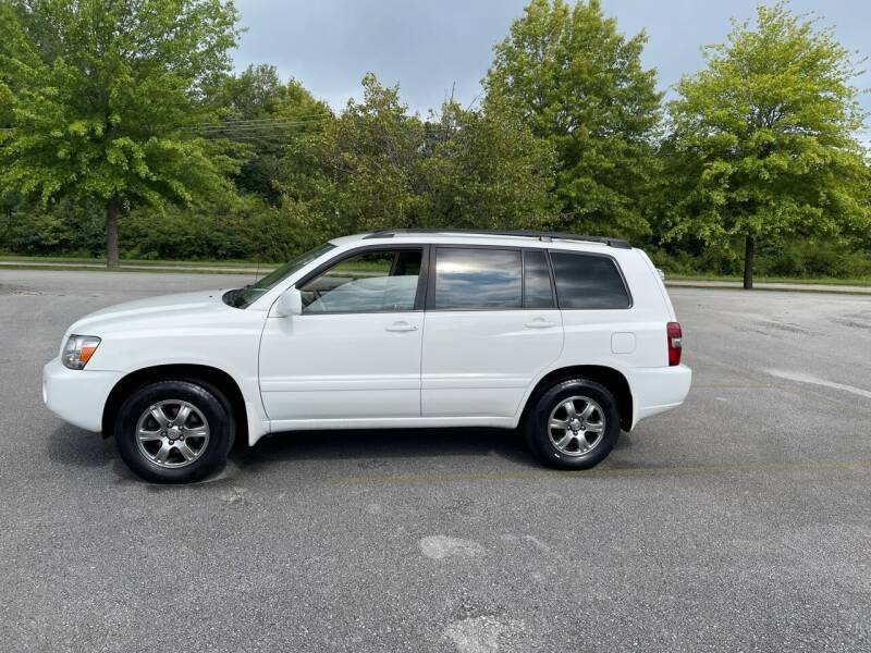 2004 Toyota Highlander for sale at Knoxville Wholesale in Knoxville TN