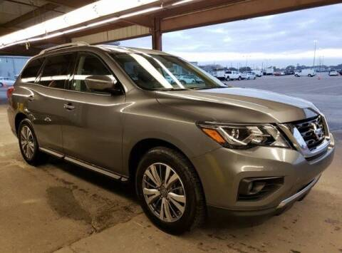 2019 Nissan Pathfinder for sale at JOE BULLARD USED CARS in Mobile AL