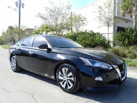 2020 Nissan Altima for sale at SUPER DEAL MOTORS in Hollywood FL