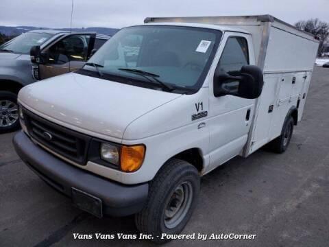 2006 Ford E-Series Chassis for sale at Vans Vans Vans INC in Blauvelt NY