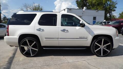 2009 GMC Yukon for sale at G AND J MOTORS in Elkin NC
