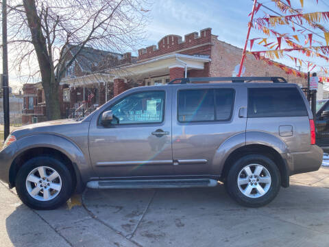 2008 Nissan Pathfinder for sale at RON'S AUTO SALES INC in Cicero IL