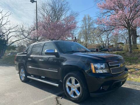 2013 Chevrolet Avalanche for sale at Automazed in Attleboro MA