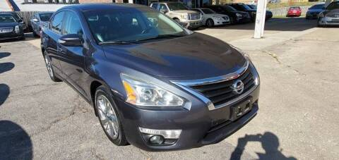2013 Nissan Altima for sale at Divine Auto Sales LLC in Omaha NE