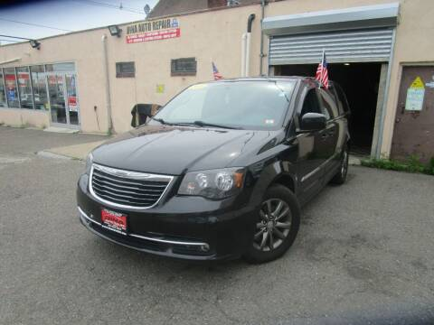 2015 Chrysler Town and Country for sale at 500 Down Buy Here Pay Here in Paterson NJ