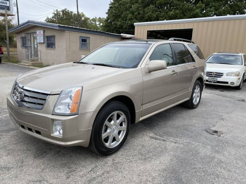 2005 Cadillac SRX for sale at C&R  MOTORS in San Antonio TX