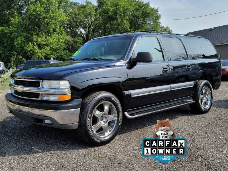 2002 Chevrolet Suburban for sale at Riverfront Auto Sales in Middletown OH