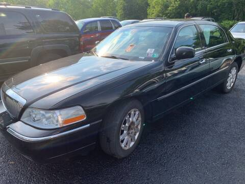 2008 Lincoln Town Car for sale at Trocci's Auto Sales in West Pittsburg PA