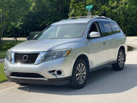 2013 Nissan Pathfinder for sale at L G AUTO SALES in Boynton Beach FL