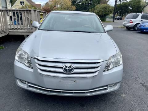 2005 Toyota Avalon for sale at Life Auto Sales in Tacoma WA