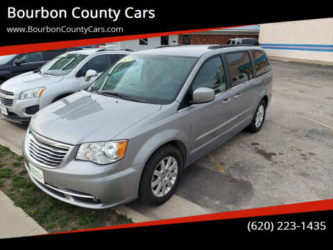 2015 Chrysler Town and Country for sale at Bourbon County Cars in Fort Scott KS
