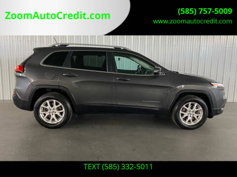 2015 Jeep Cherokee for sale at ZoomAutoCredit.com in Elba NY