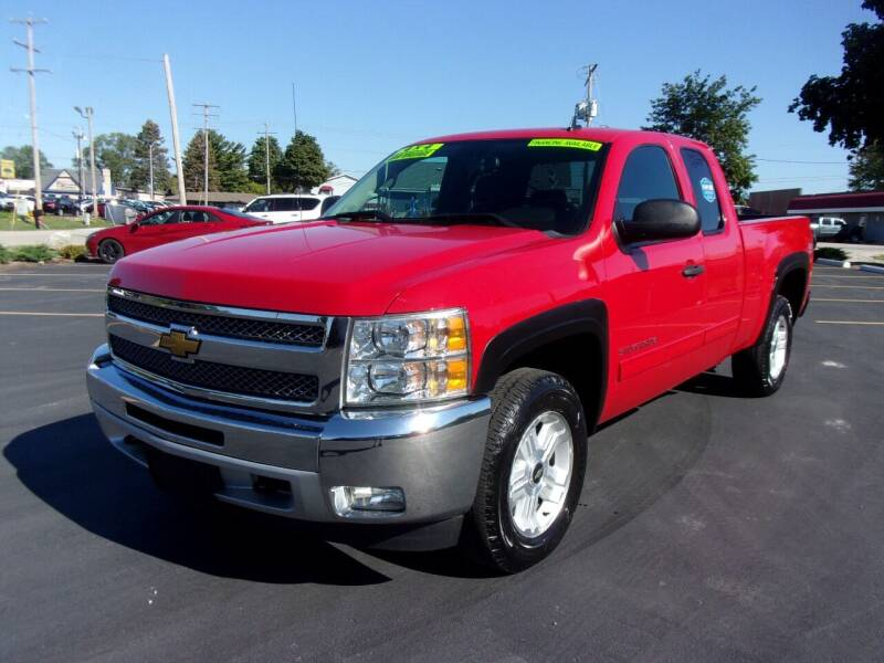2013 Chevrolet Silverado 1500 for sale at Ideal Auto Sales, Inc. in Waukesha WI