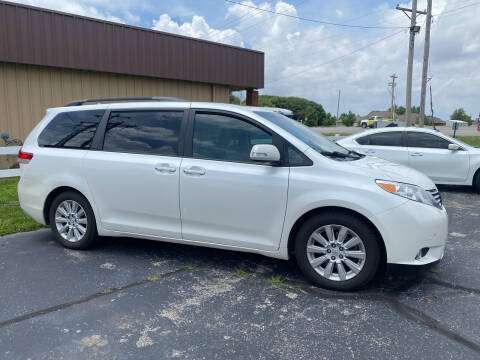 2013 Toyota Sienna for sale at Towell & Sons Auto Sales in Manila AR