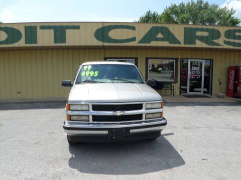 1999 Chevrolet Suburban for sale at Credit Cars of NWA in Bentonville AR