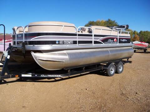 2015 SUNTRACKER PARTY BARGE 22 DLX for sale at Tyndall Motors in Tyndall SD