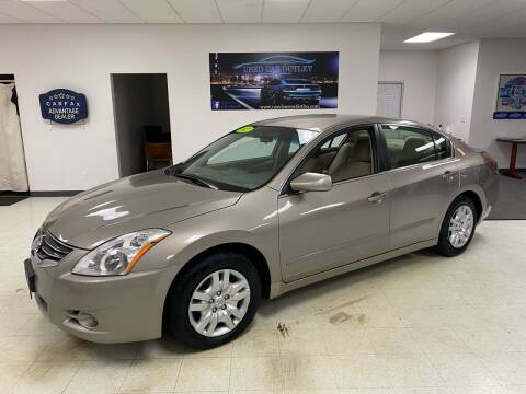 2012 Nissan Altima for sale at Used Car Outlet in Bloomington IL