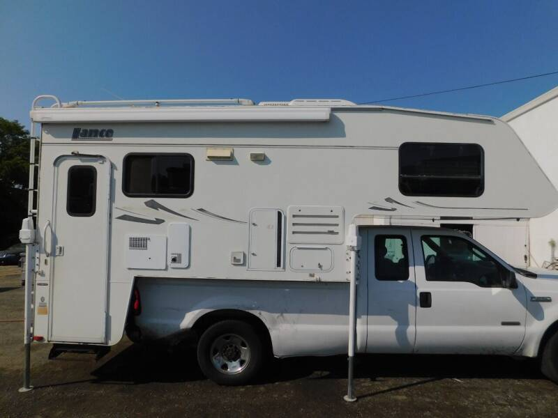 2005 Lance 1191 LONGBED for sale at Gold Country RV in Auburn CA