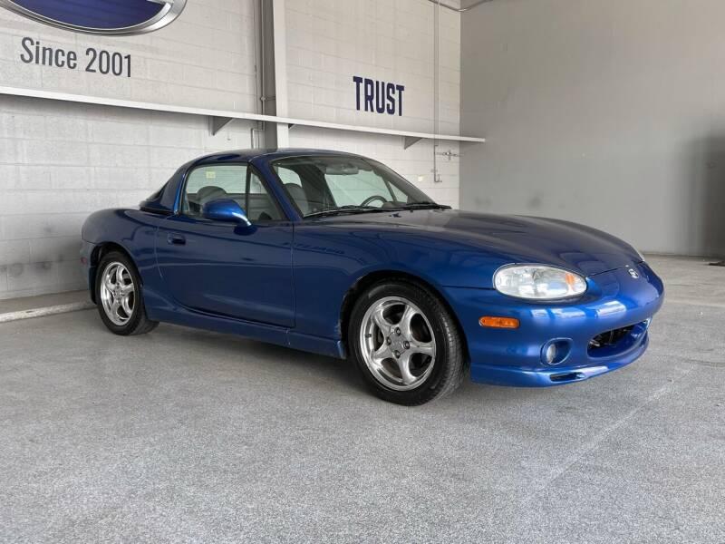 1999 Mazda MX-5 Miata for sale at TANQUE VERDE MOTORS in Tucson AZ