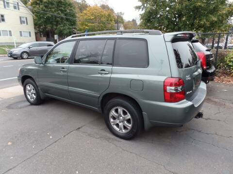 2007 Toyota Highlander for sale at CAR CORNER RETAIL SALES in Manchester CT