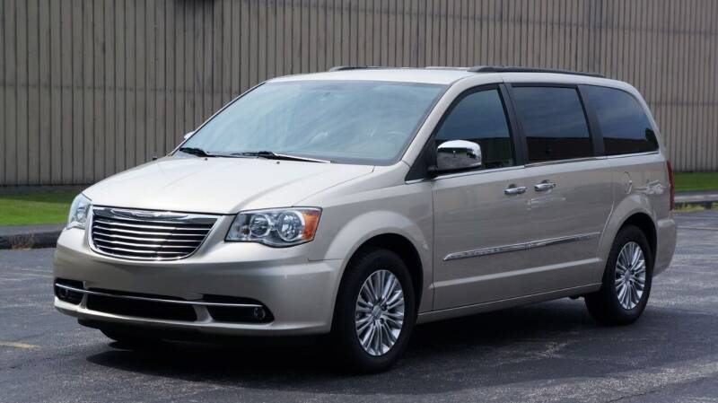 2015 Chrysler Town and Country for sale at Grand Financial Inc in Solon OH