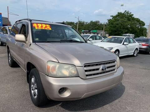 2004 Toyota Highlander for sale at Eagle Motors in Hamilton OH