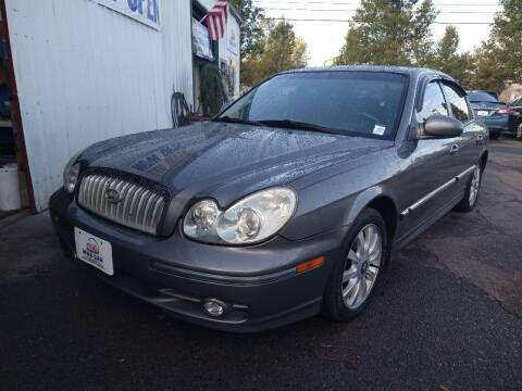 2004 Hyundai Sonata for sale at M AND S CAR SALES LLC in Independence OR