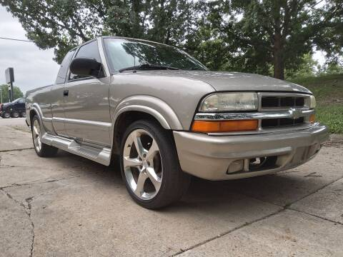 2003 Chevrolet S-10 for sale at Crispin Auto Sales in Urbana IL