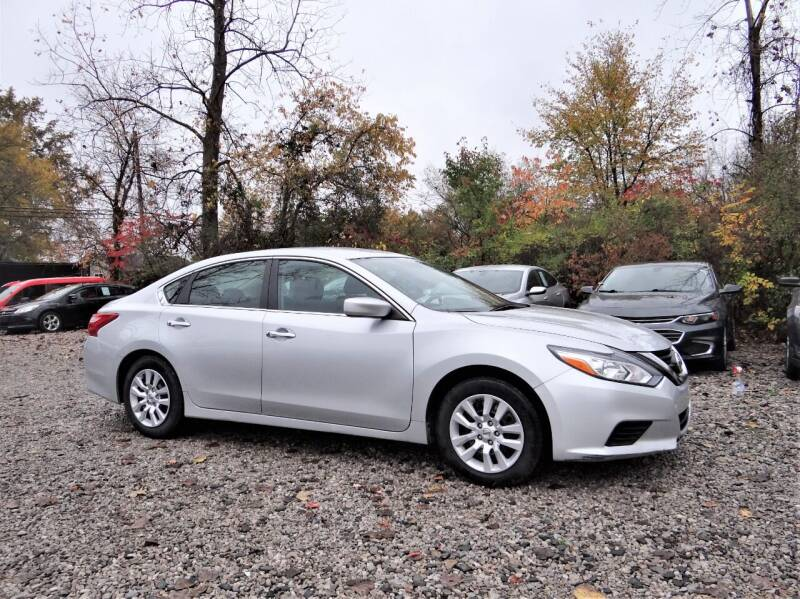 2017 Nissan Altima for sale at Premier Auto & Parts in Elyria OH