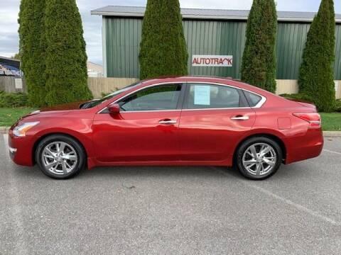 2013 Nissan Altima for sale at AUTOTRACK INC in Mount Vernon WA