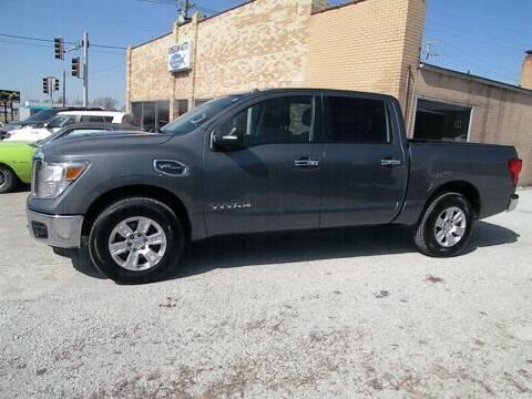2017 Nissan Titan for sale at Kingdom Auto Centers in Litchfield IL