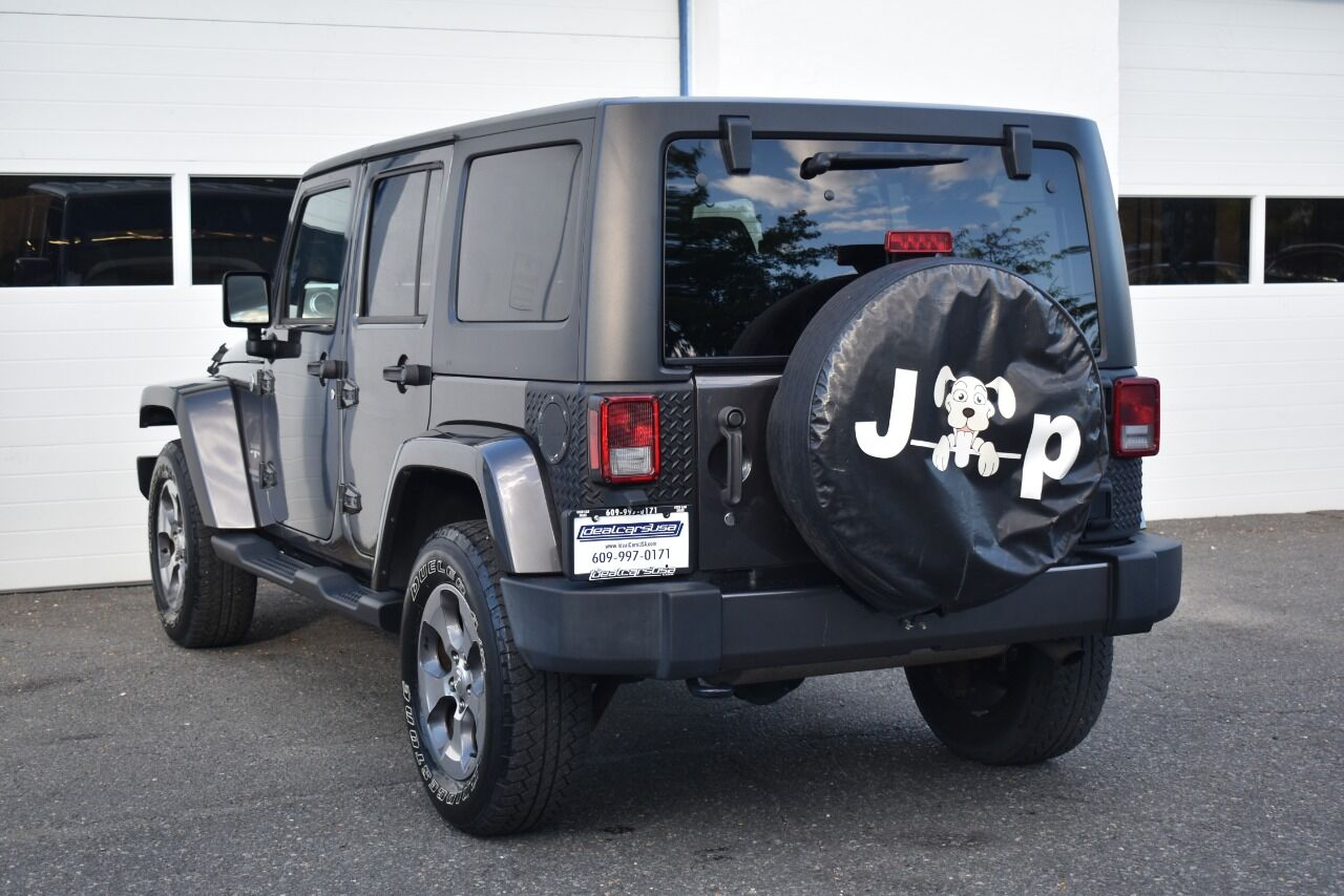 2017 Jeep Wrangler Unlimited Sahara 4×4 4dr SUV full