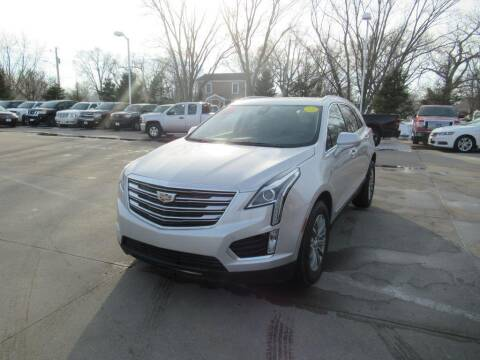 2018 Cadillac XT5 for sale at Aztec Motors in Des Moines IA
