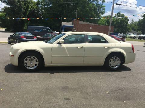 2005 Chrysler 300 for sale at Diamond Auto Sales in Lexington NC
