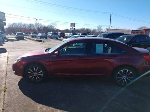 2013 Chrysler 200 for sale at BIG 7 USED CARS INC in League City TX