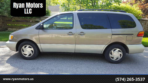 1999 Toyota Sienna for sale at Ryan Motors LLC in Warsaw IN