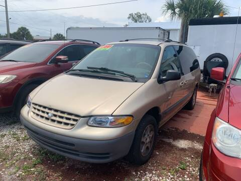 1999 Plymouth Grand Voyager for sale at EXECUTIVE CAR SALES LLC in North Fort Myers FL